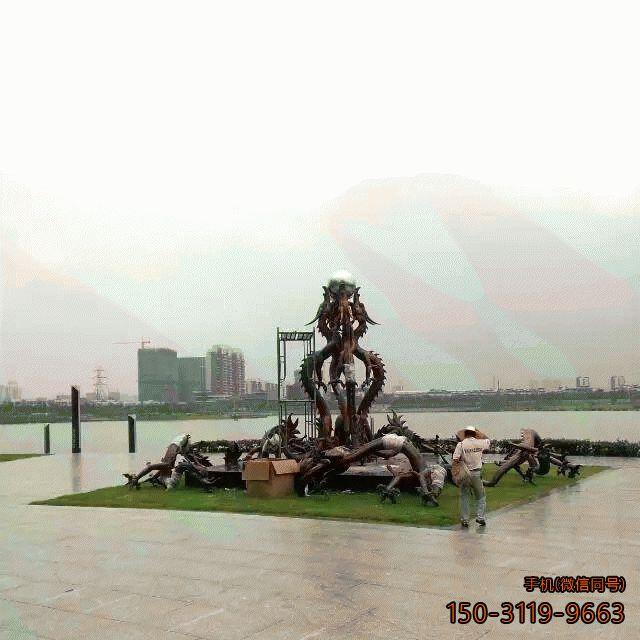广场九龙戏珠雕塑