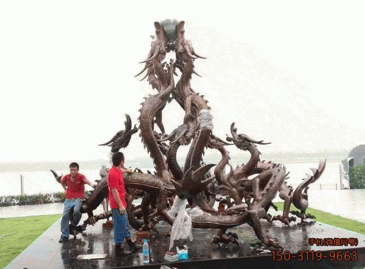 广场九龙戏珠雕塑 (1)