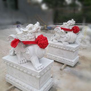 汉白玉石雕貔貅_小区商场企业大门动物神兽