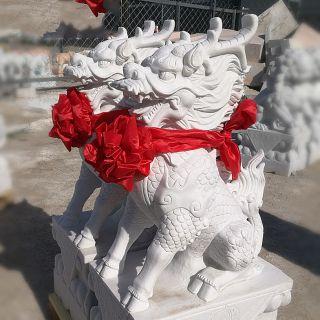 汉白玉神兽麒麟石雕