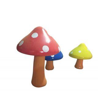 卡通蘑菇_幼儿园彩绘植物摆件