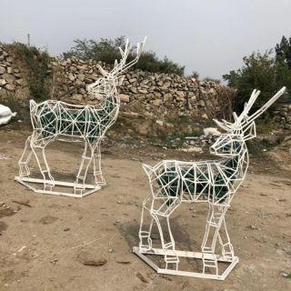铁艺网格镂空鹿