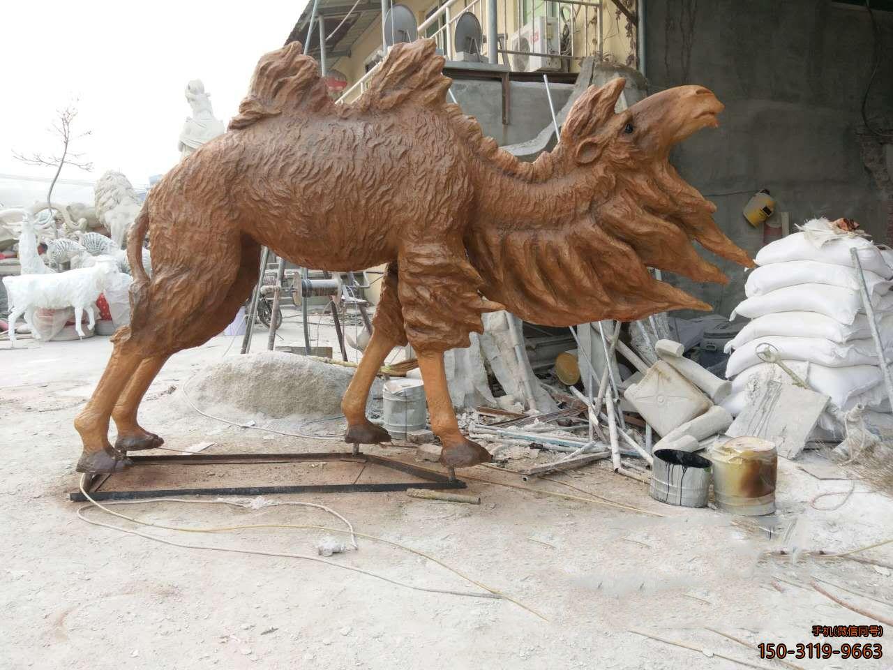 骆驼雕塑玻璃钢公园动物摆件