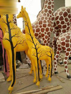 彩绘长颈鹿玻璃钢动物雕塑