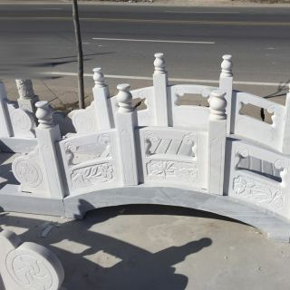 汉白玉栏板石拱桥雕塑