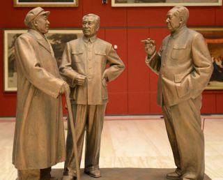 毛泽东 周恩来 彭德怀 铸铜雕像