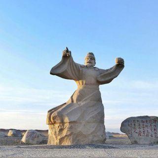 唐朝诗人王维石雕像