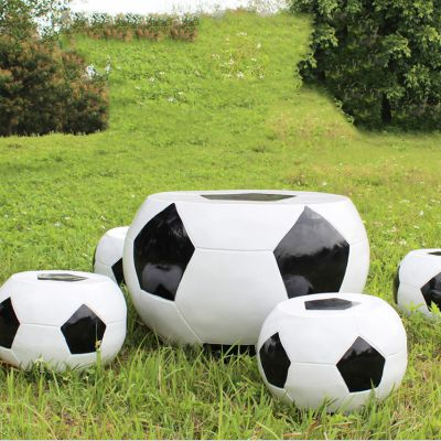足球纹理桌凳_幼儿园卡通桌凳