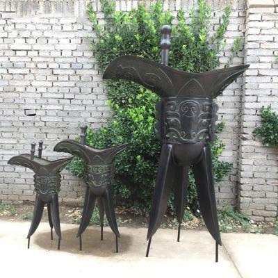 仿古铜酒樽_三角酒杯爵雕塑大型广场摆件纯铜铸造