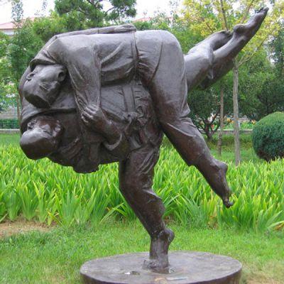 《摔跤》户外铸铜雕塑小品