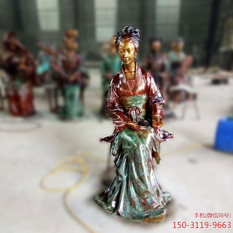 古代仕女铜雕像