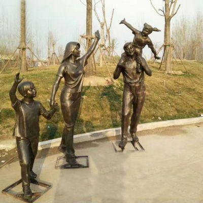 一家四口亲情雕塑
