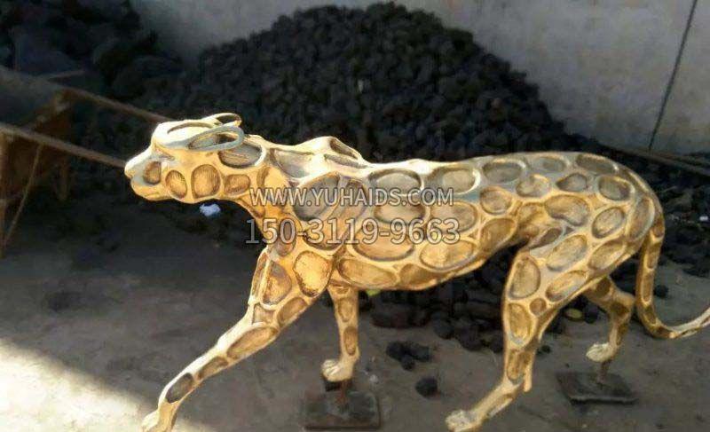 抽象金钱豹公园动物铜雕