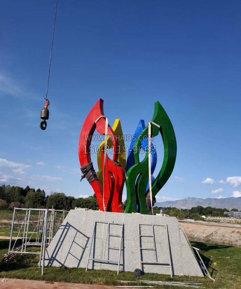 不锈钢小黄人公园景观雕塑