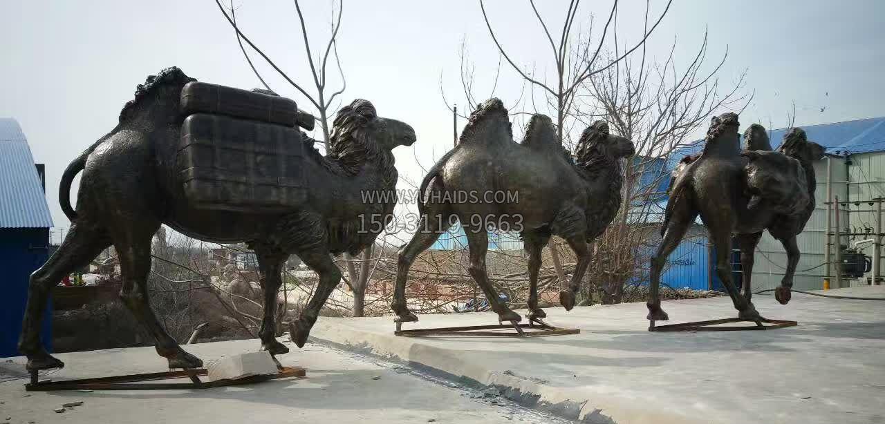 唢呐演奏人物景观铜雕