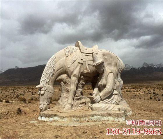 固始汗广场的战马雕塑