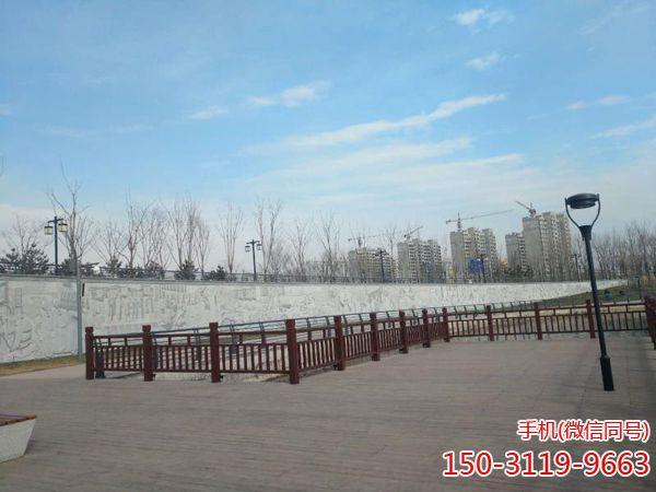 山东淄博市孝妇河湿地公园浮雕墙及木栈道项目