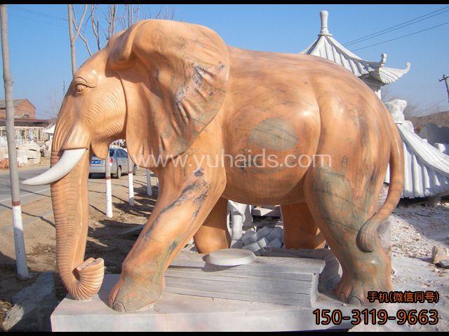 动物系列之晚霞红石雕大象